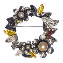 Wreath Shape Brooch with Pearl