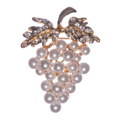Grapes Shape of Brooch with White Pearl
