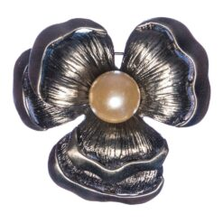 Flower Shape Black Brooch with Pearl