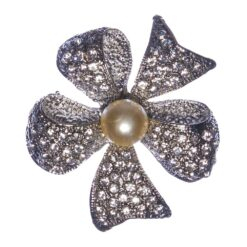 Black Flower Shape of Silver Brooch with Pearl