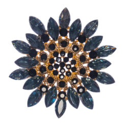 Flower Shape of Brooch with Black Stone