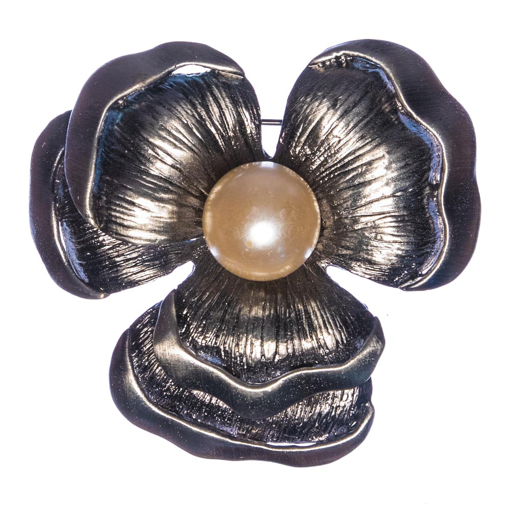 Dixie Pearl Flower Brooch