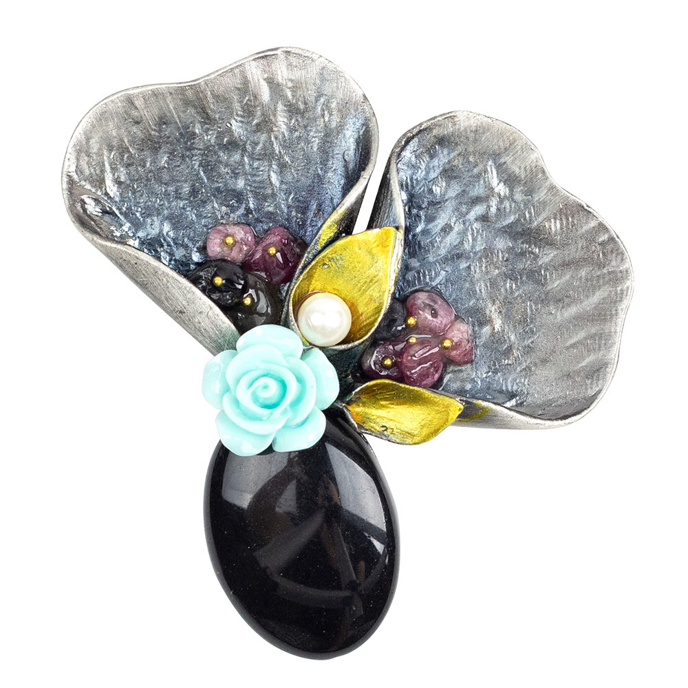 Guinevere Black Lily Bouquet Brooch